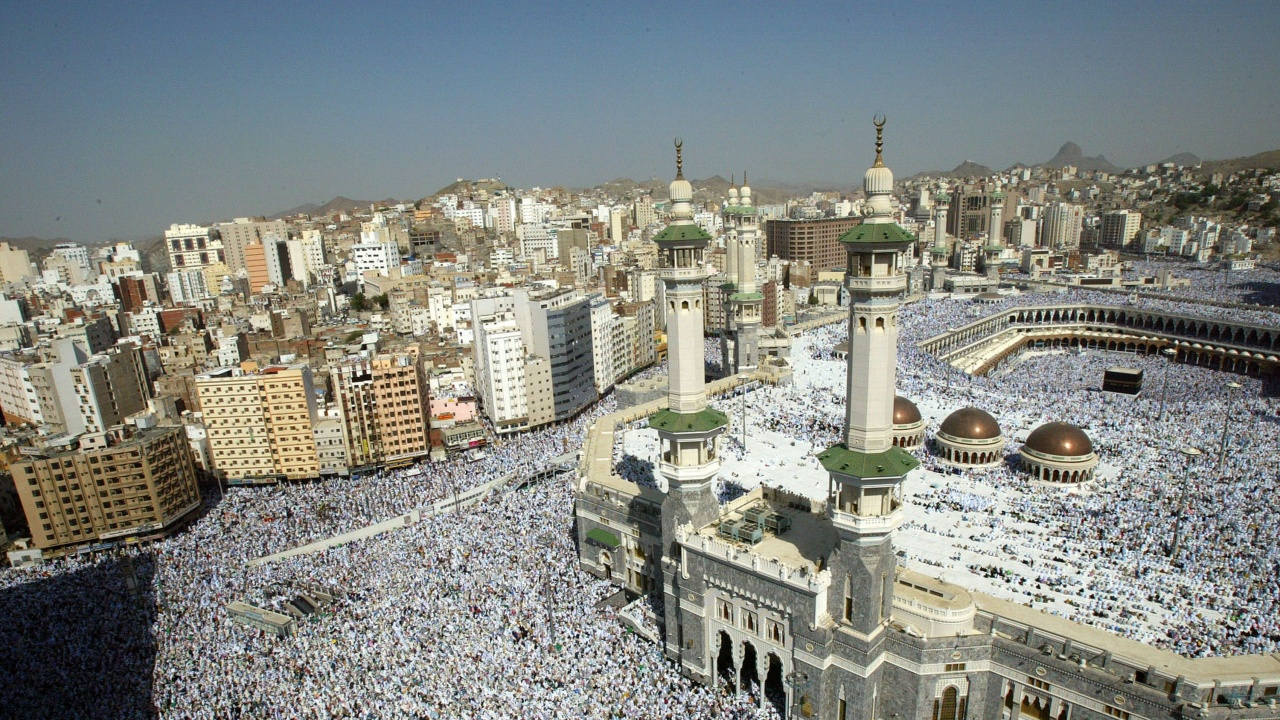 Рияд втора година ограничава хаджа само за пребиваващи в кралството