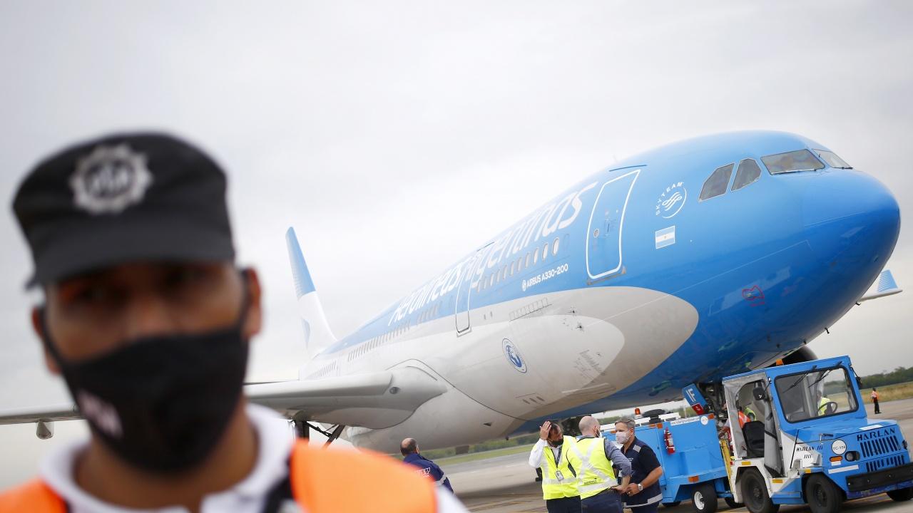Аржентина ограничава международните полети, опасявайки се от разпространяване на нови варианти на COVID-19