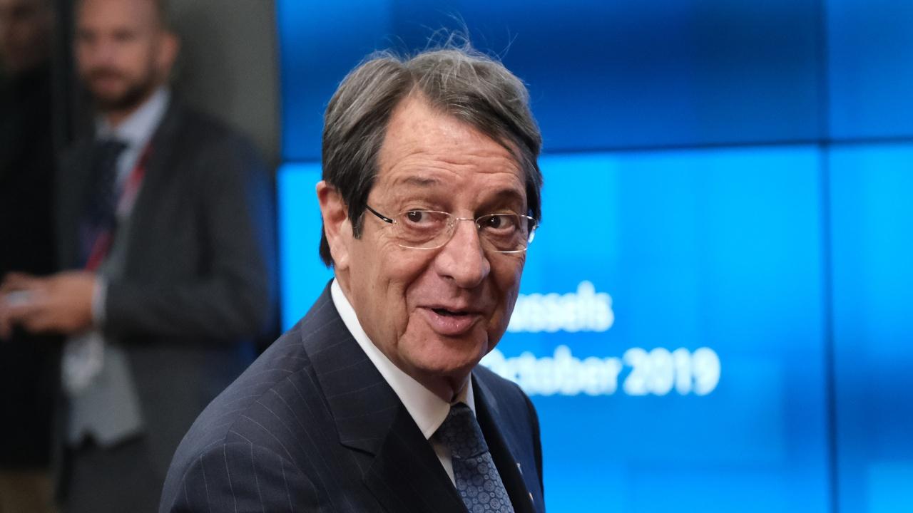 Никос Анастасиадис започва консултации с партиите за реформи в Кипър