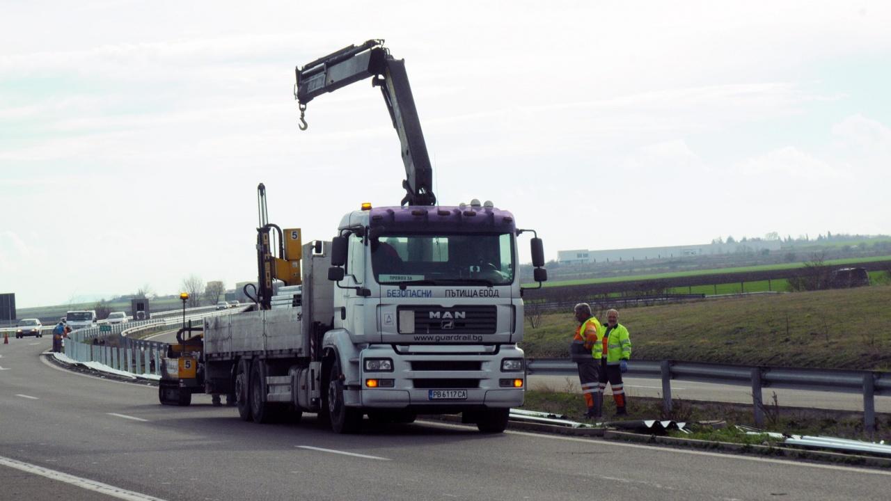 Взривни дейности спират движението от 9-ти до 10-ти км на пътя Калотина - Драгоман