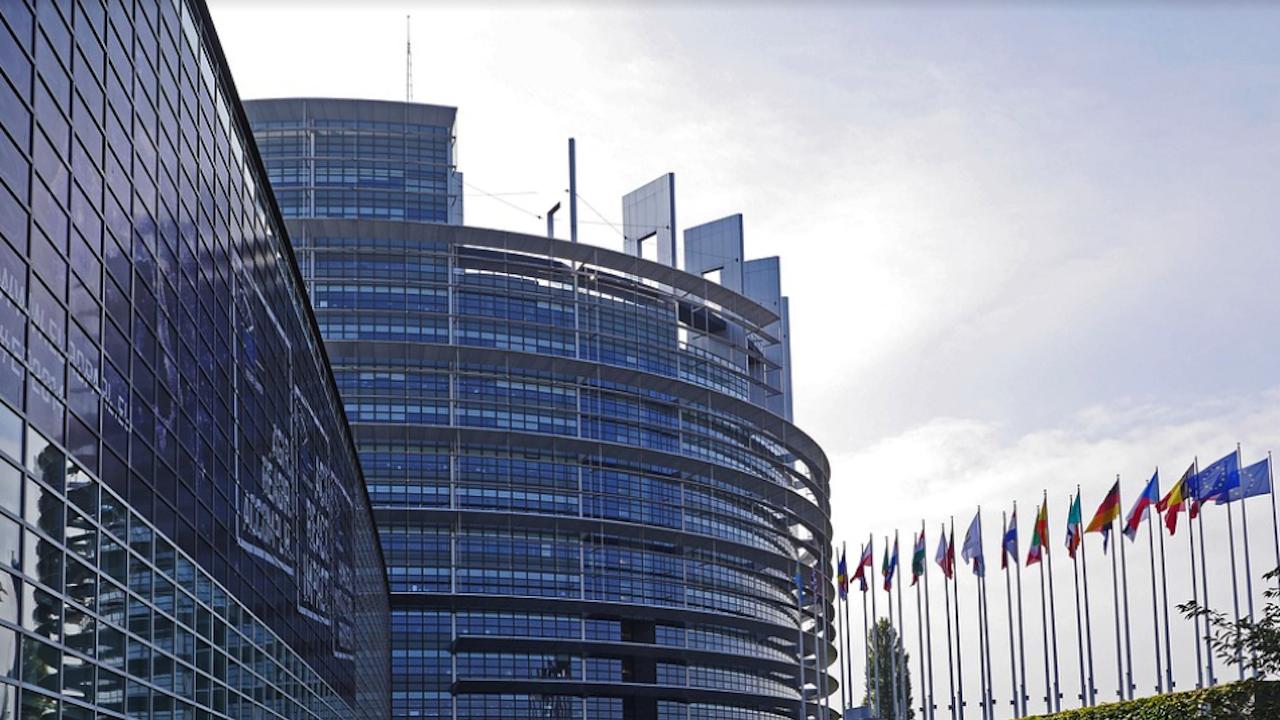 ЕС утвърди цифровия сертификат за ковид, което ще облекчи пътуванията в съюза