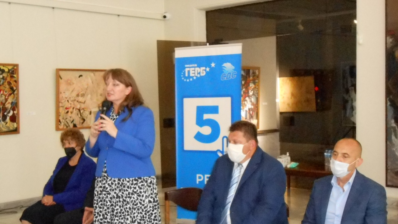 Сачева: Амбицията ни е България да бъде едно по-добро място за  образование и бизнес