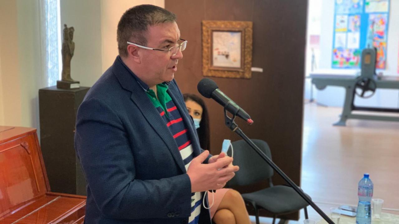 Проф. Ангелов в Свищов: Здравна реформа не се прави по време на пандемия, нито от служебно правителство