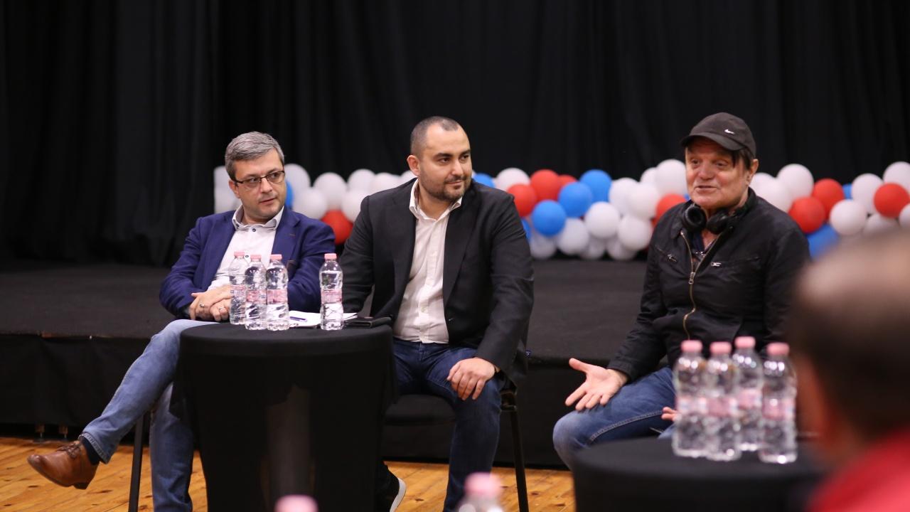 Тома Биков и Александър Иванов от ГЕРБ проведоха среща с представители на независимите артисти