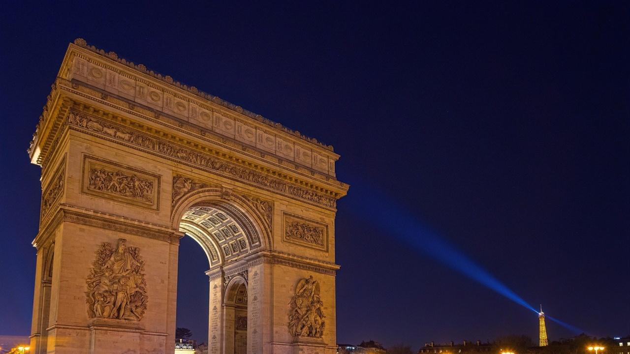 Ще опаковат Триумфалната арка по проект на Кристо