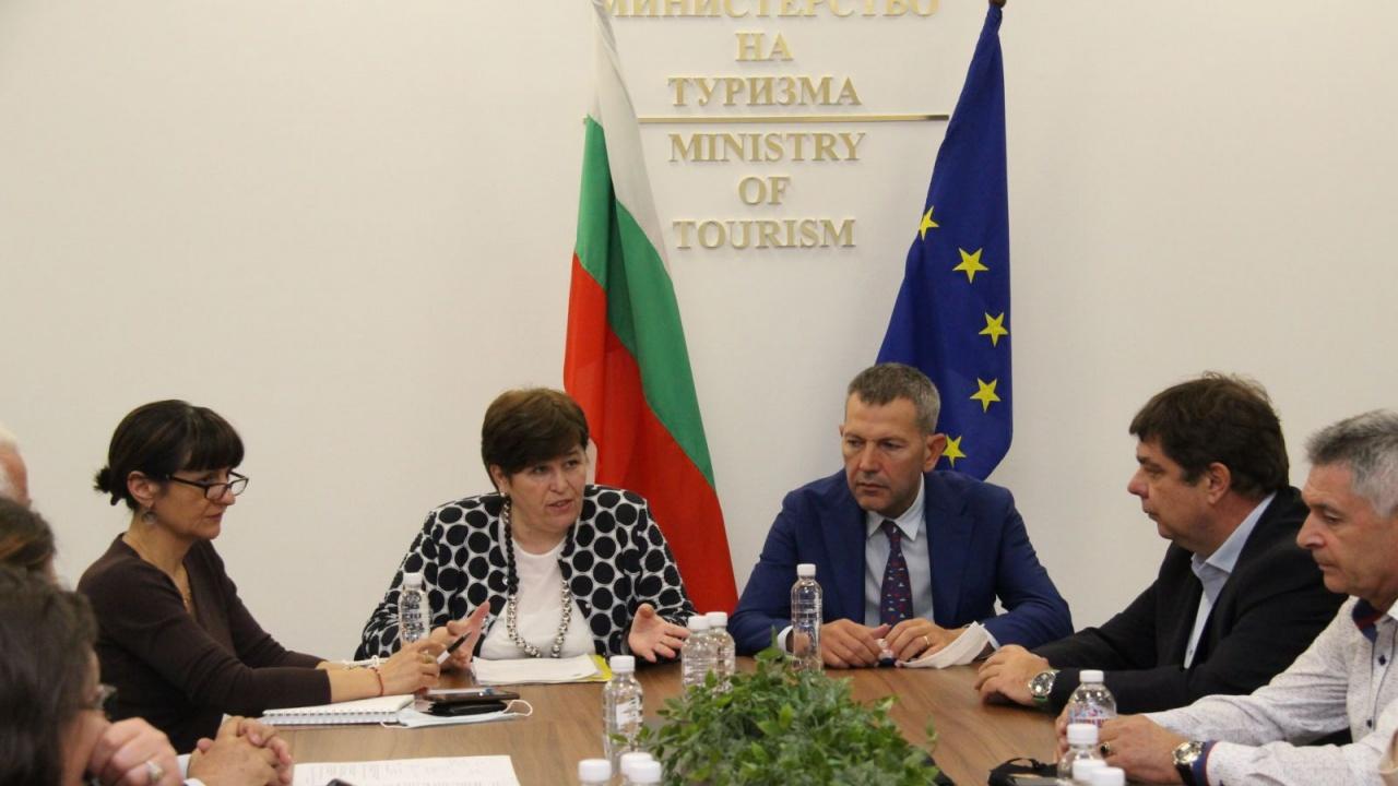 Министър Стела Балтова и министър Георги Тодоров проведоха съвместна среща с представители на Националния борд по туризъм