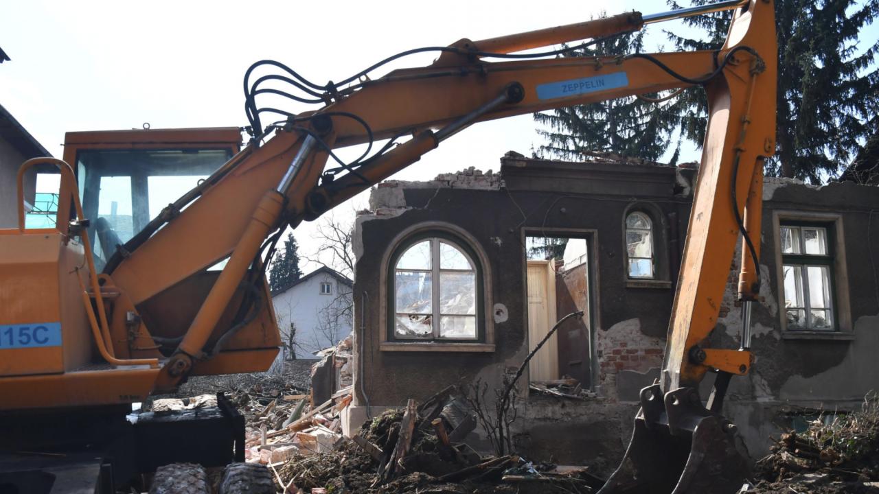 """Главният архитект на Столична община издаде заповед за премахване на сградата на Румен Гайтански-Вълка на язовир """"Искър"""""""