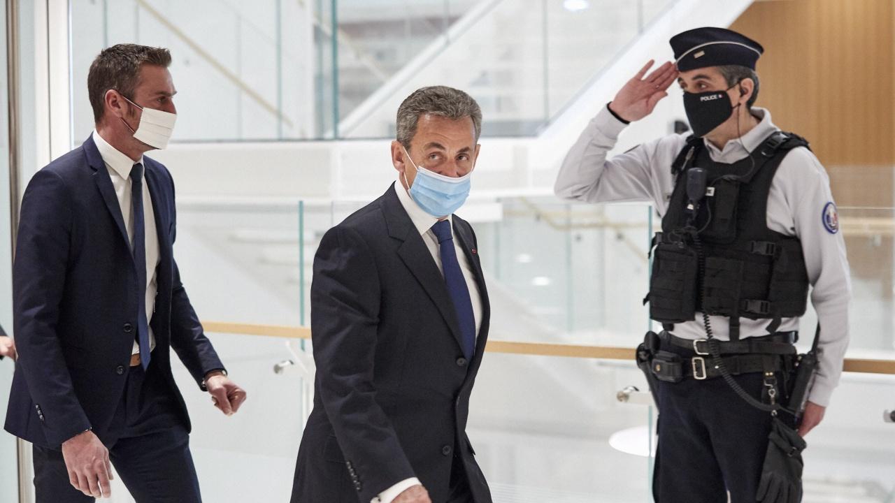 Обвинението поиска 12 месеца затвор за Саркози, от които 6 ефективно