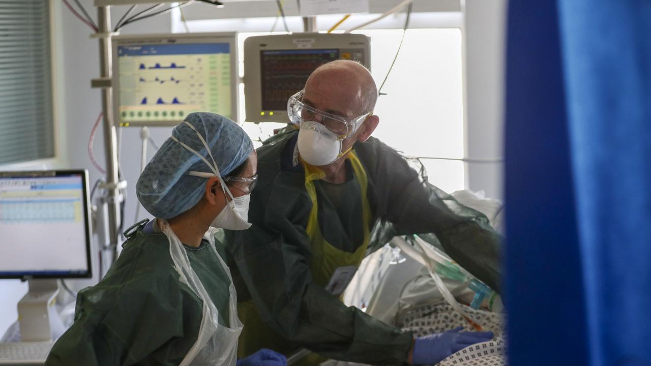 Великобритания с бум на заразени с коронавирус