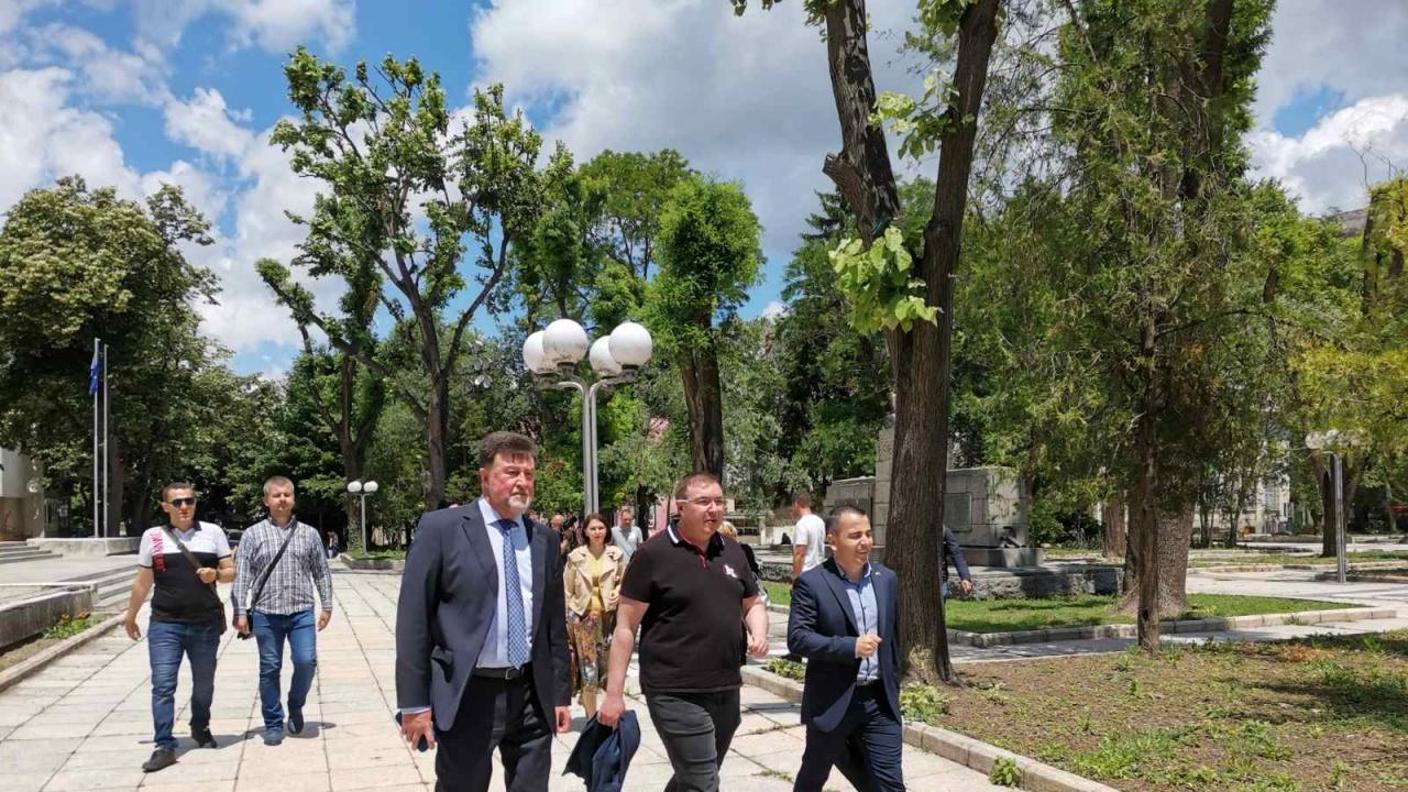 Проф. Ангелов, водач на листата ГЕРБ/СДС-Варна: Ангажираме се за нов дом за болницата в Провадия и околовръстен път