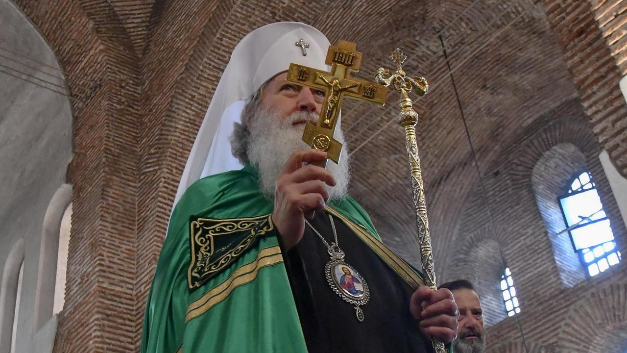 Състоянието на патриарх Неофит се подобрява