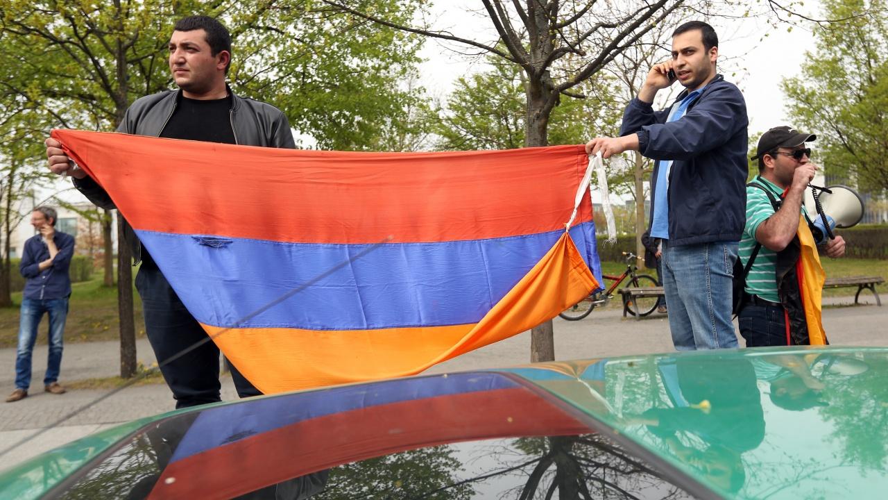 Арменците гласуват днес на предсрочни парламентарни избори