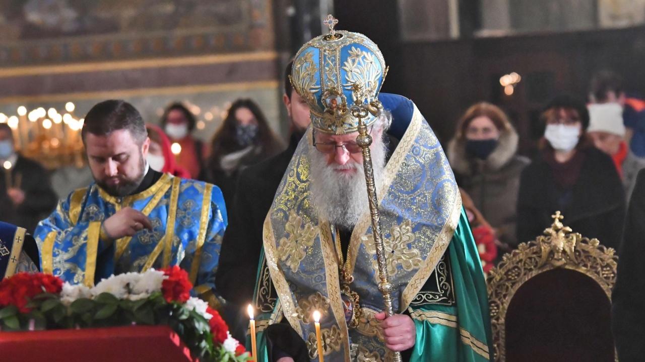 Патриарх Неофит: В църквата винаги ни очаква протегнатата ръка на нашия Спасител