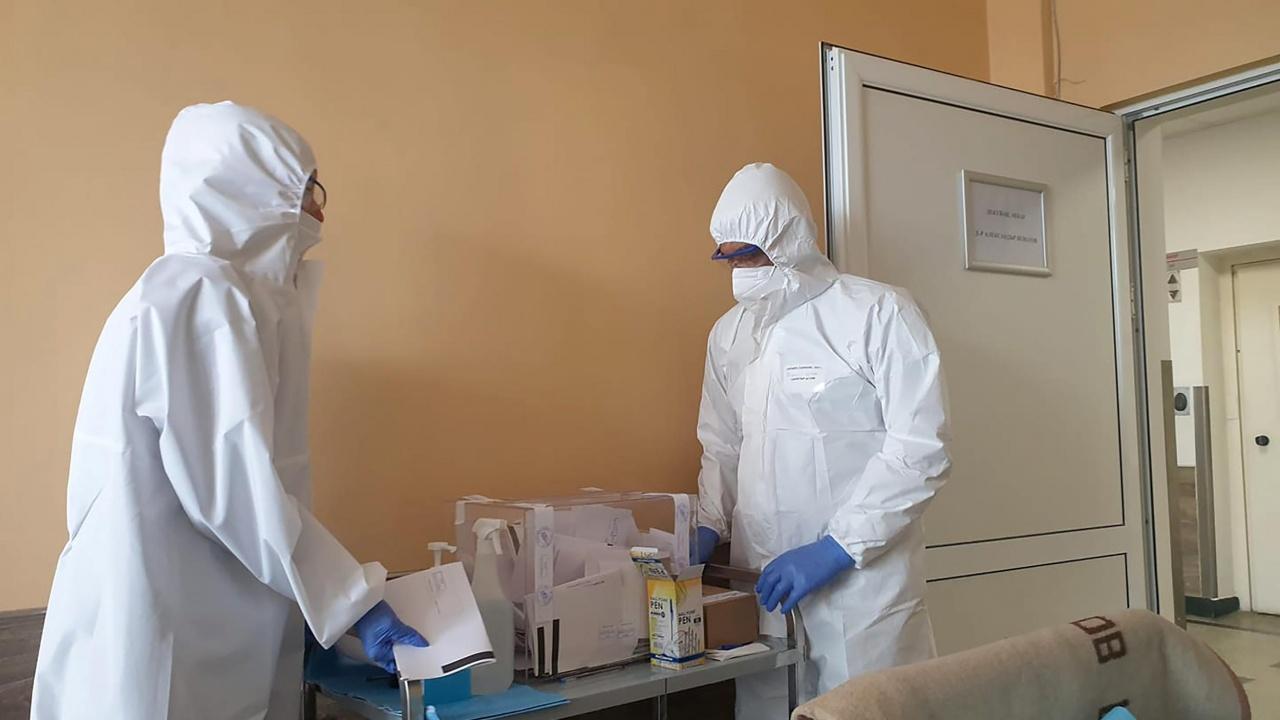 """""""Пирогов"""" продължава да приема пациенти с COVID-19"""