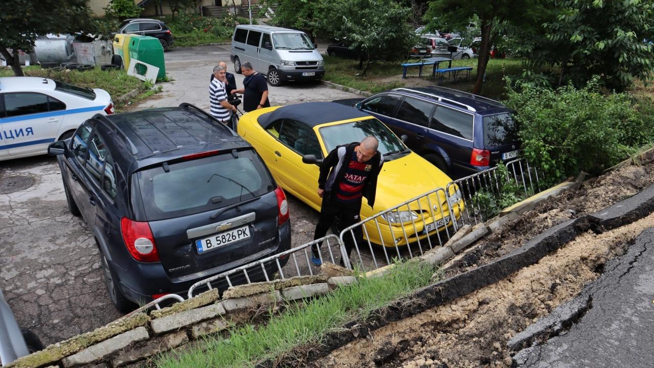 Проверка в общината след пропадналата велоалея във Варна