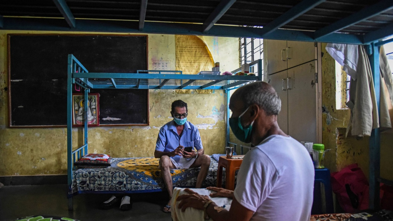 Заради пандемията животът в Индия е разделен на четни и нечетни дати