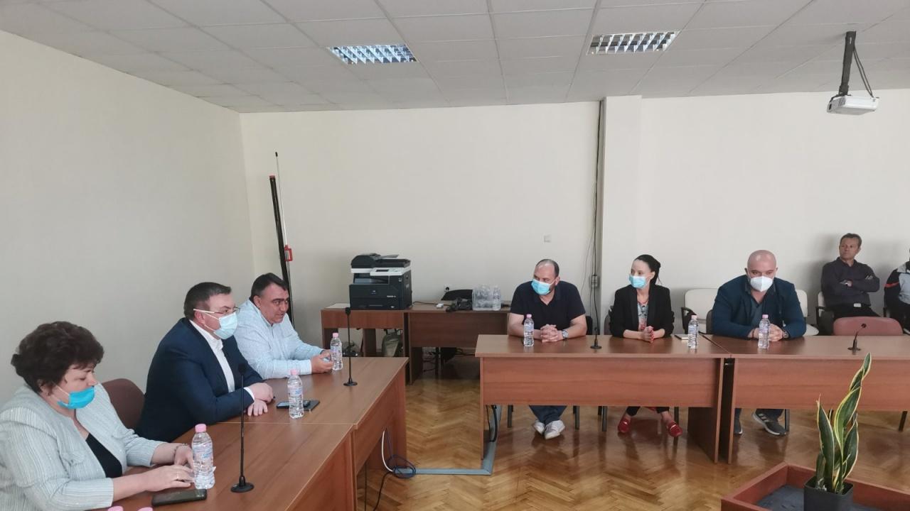 Проф. Костадин Ангелов в Долни Чифлик: Предвиждаме стимули за  връщане на българите в родината
