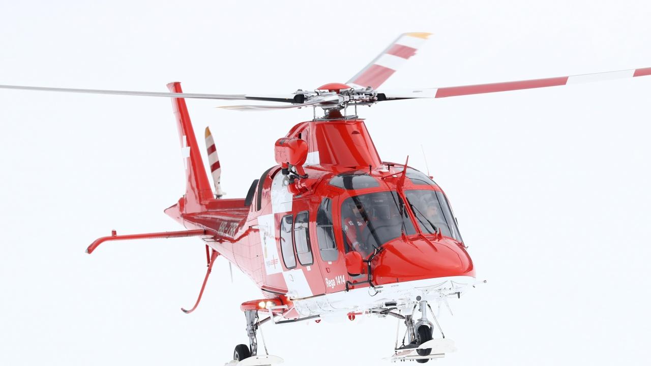До три години България би трябвало да разполага с шест медицински хеликоптера