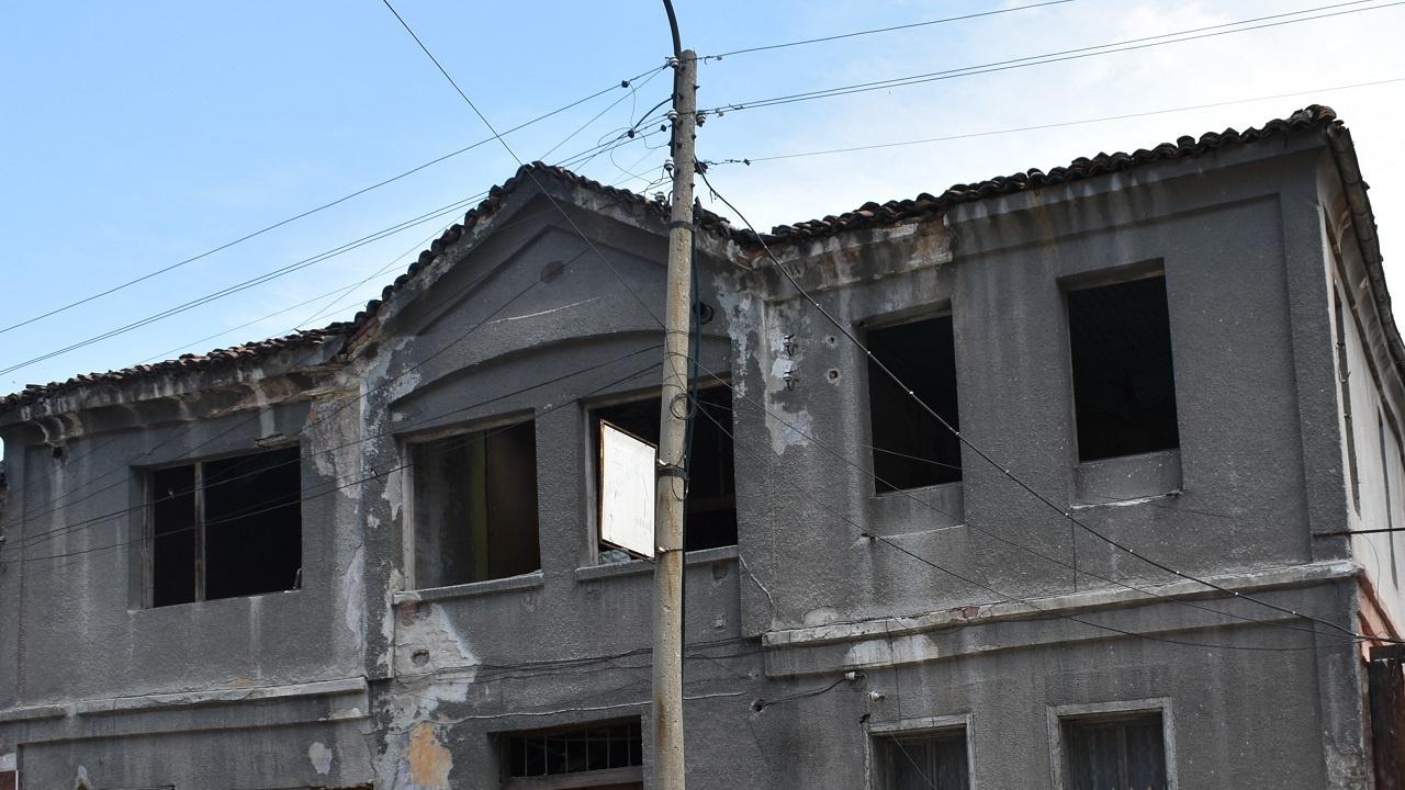 Община Асеновград ремонтира покрива на Караалановото училище