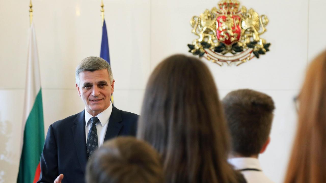 """Ученици от ОУ """"Неофит Рилски""""-Габрово гостуваха на премиера Стефан Янев"""