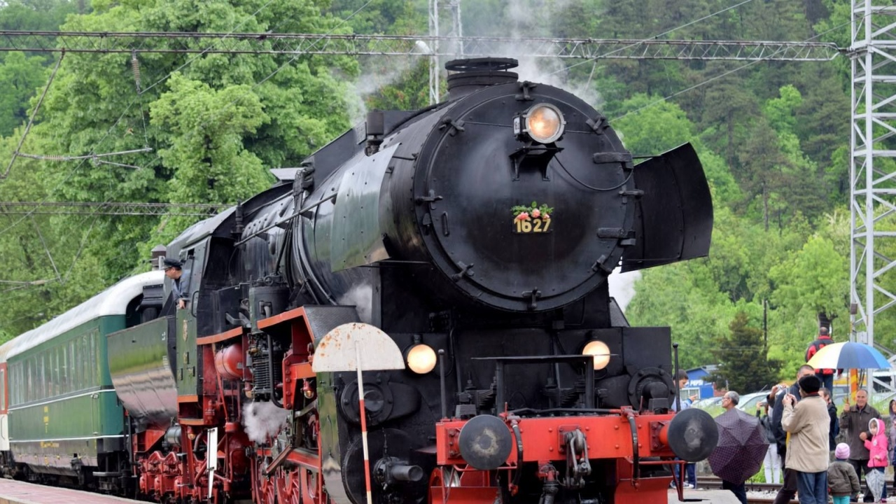 БДЖ организира пътуване с парен локомотив до Трявна и Плачковци