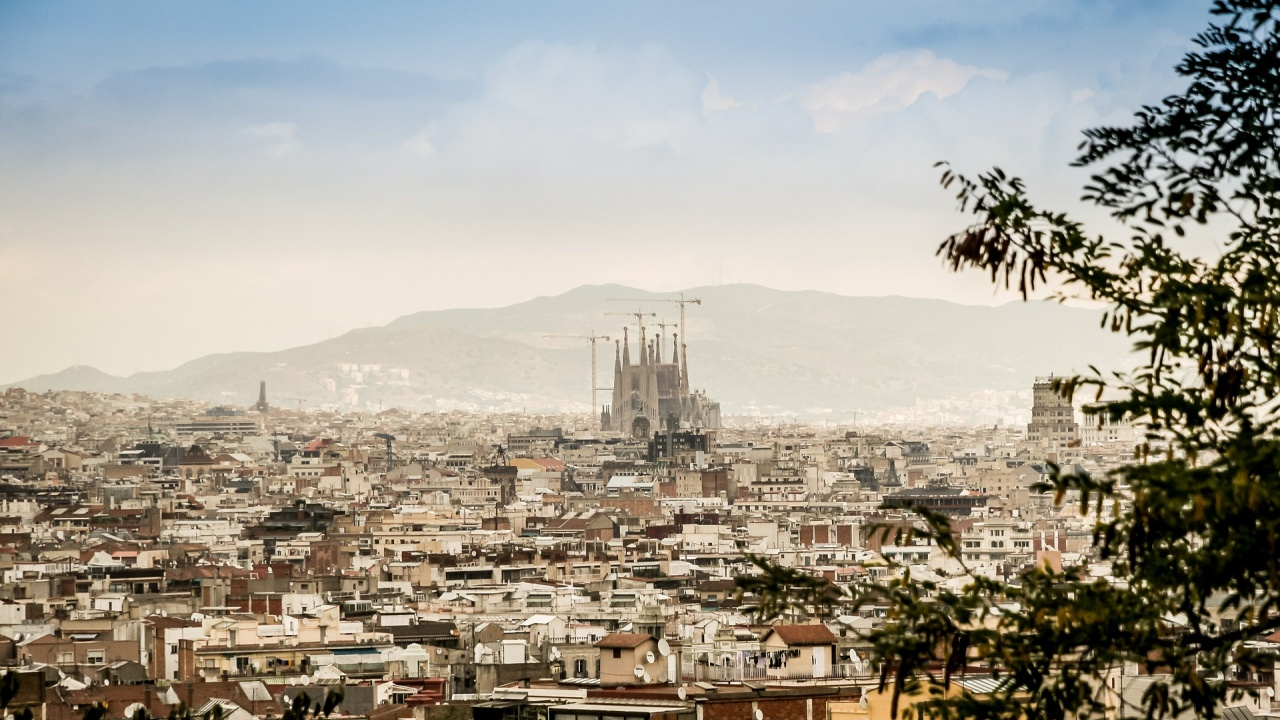МВнР:  Отпадат изискванията, свързани с COVID-19, за български граждани при влизане в Испания