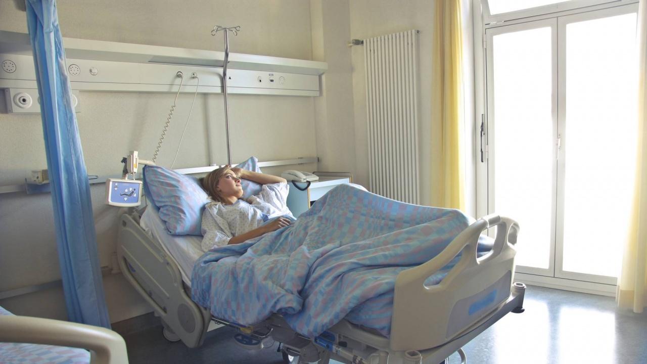От днес се разрешават свижданията при пациенти с болничен престой над 5 дни