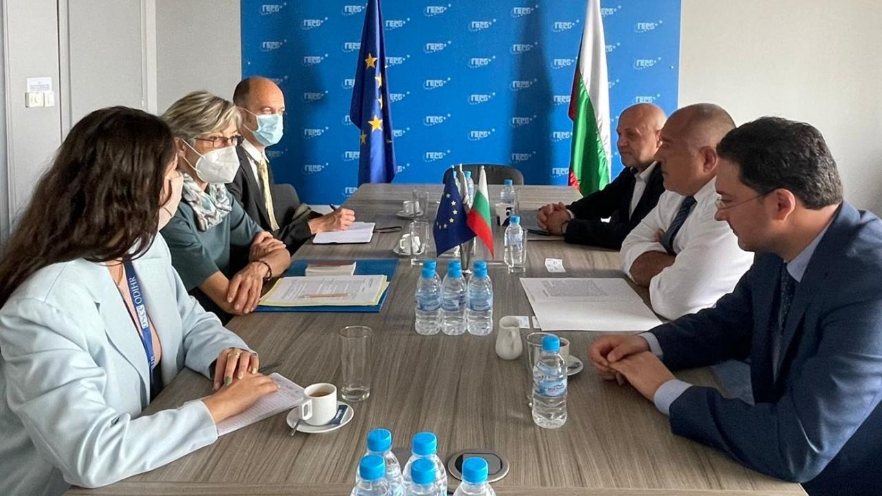 Борисов пред Мисията за наблюдение на предсрочните избори: Радев и служебното правителство абдикираха!