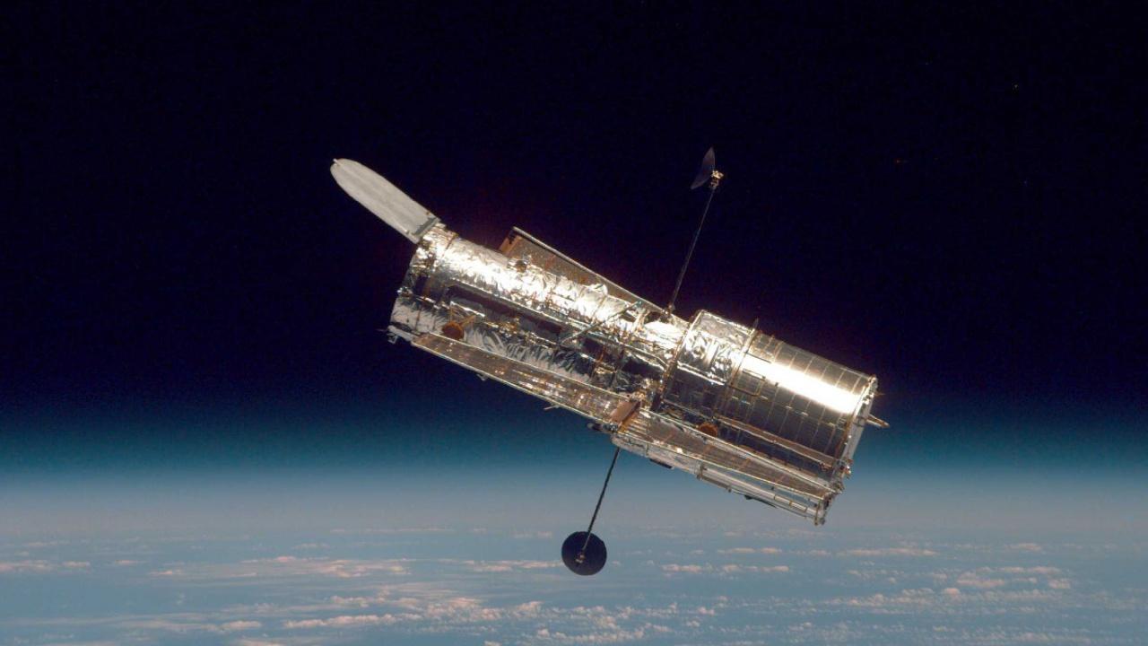 """НАСА не успява да поправи телескопа """"Хъбъл"""""""