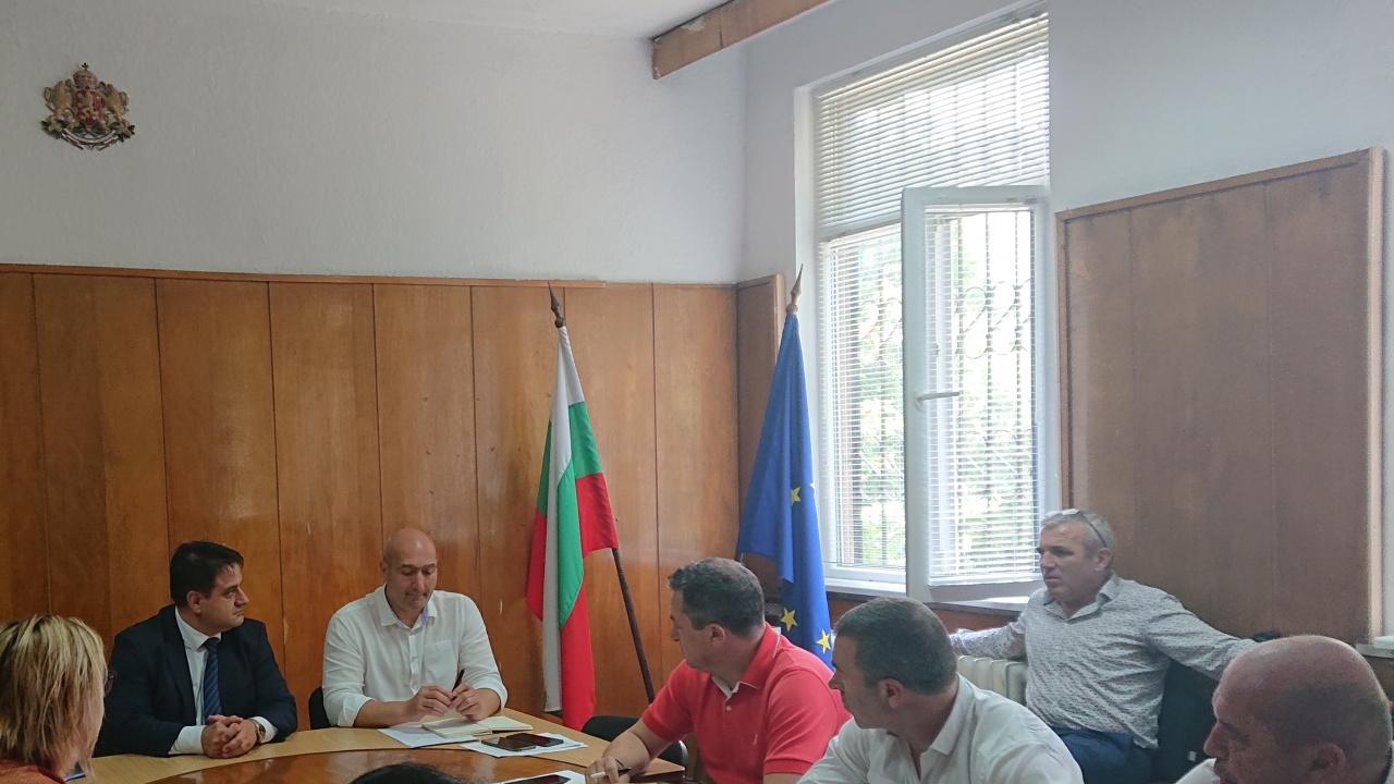 Областният управител на Софийска област на среща с директорите на РУ на МВР за изборите