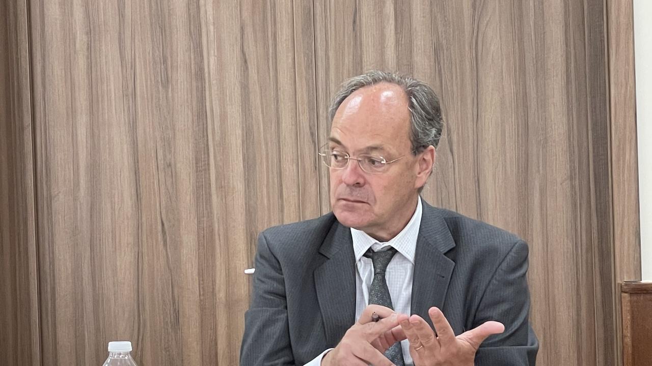 Посланикът на Германия у нас Кристоф Айххорн посети Висшето училище по телекомуникации и пощи