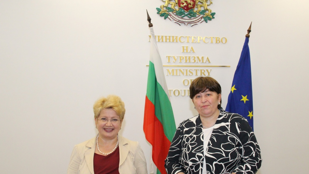 Министър Стела Балтова разговаря с посланика на Румъния у нас Н.Пр. Бръндуша Предеску