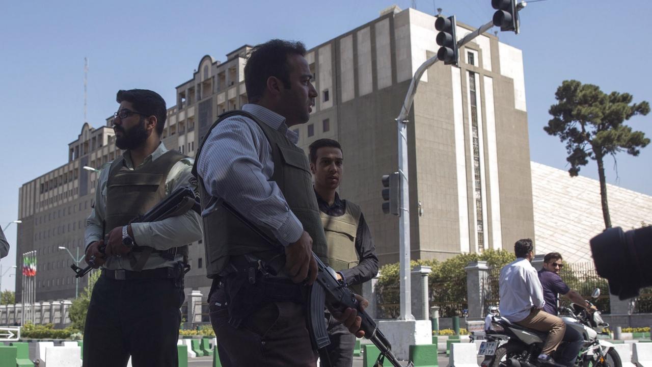 Иран осуети опит за саботаж срещу сградата на атомната си агенция