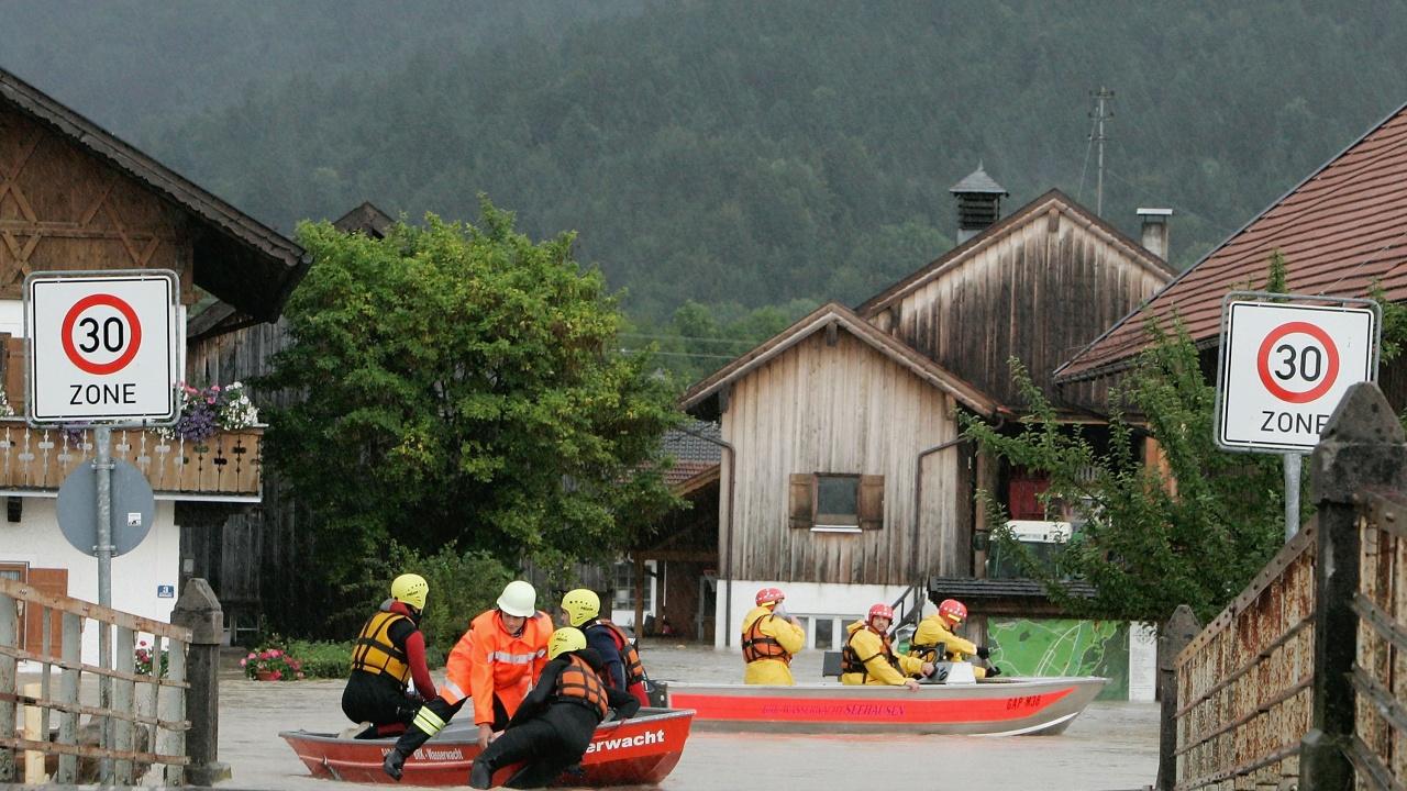 Невиждани дъждове потопиха Швейцария