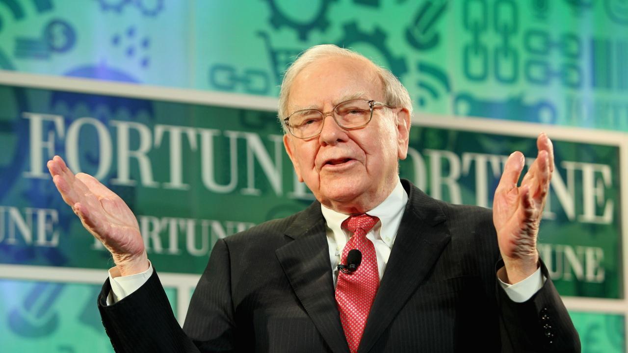 """Уорън Бъфет подава оставка като попечител на фондацията """"Бил и Мелинда Гейтс"""""""