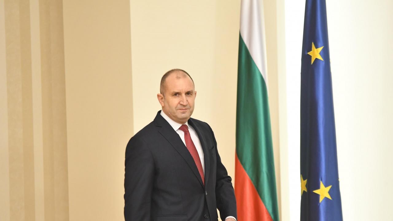 Среща на върха в Брюксел, Радев представлява България