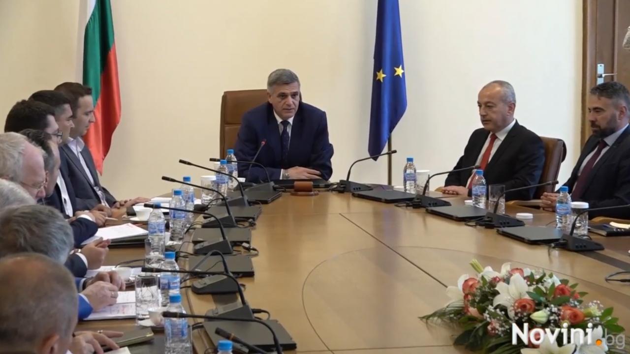 Стефан Янев: Ще направим необходимото енергийната система да функционира без напрежение