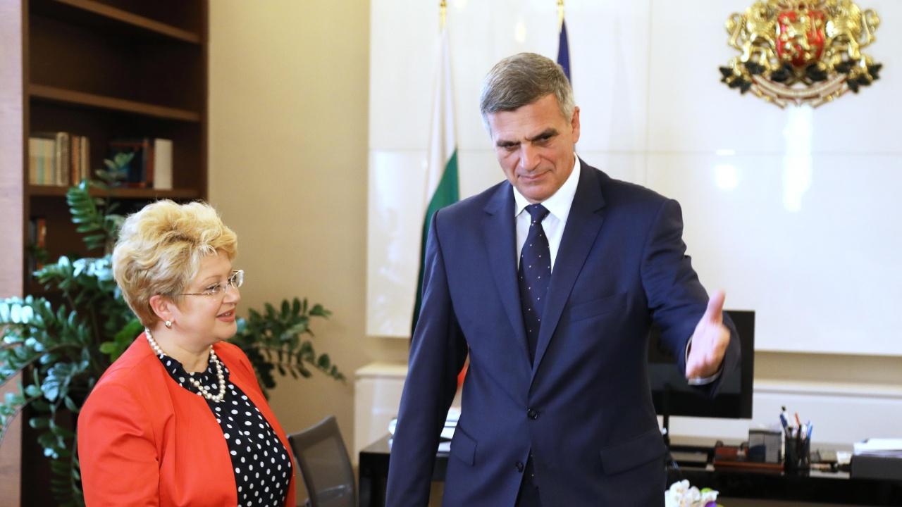 Премиерът проведе среща с посланика на Румъния Бръндуша Предеску