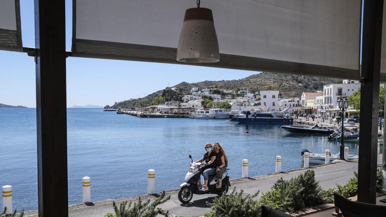 COVID вариантът Делта става доминиращ в Гърция до края на август