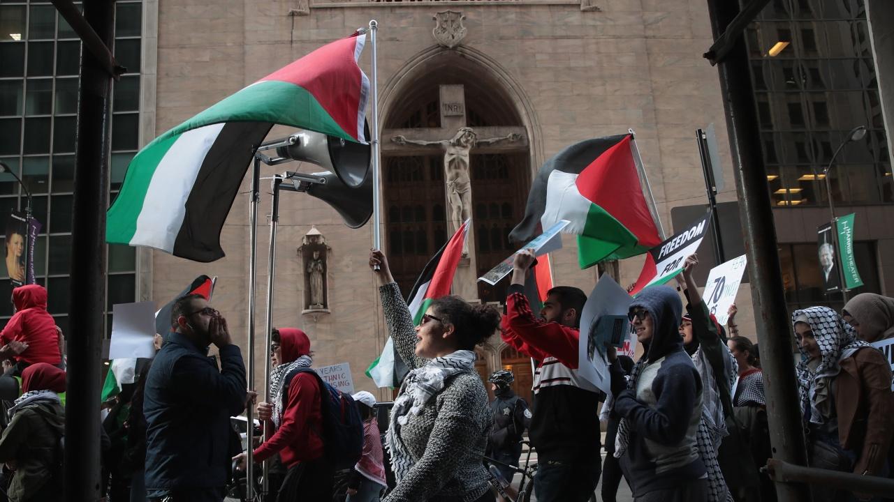 Почина палестинският активист, критик на президента Абас