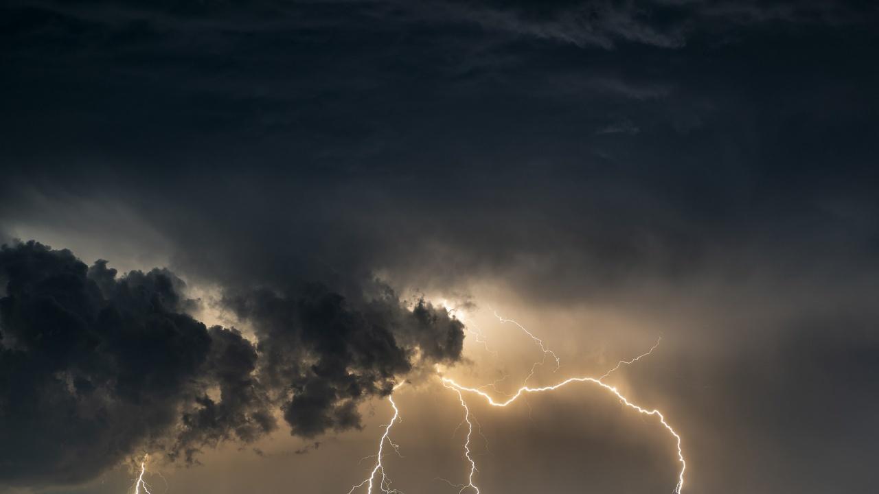 """Българин в близост до """"окото на бурята"""" в Чехия"""