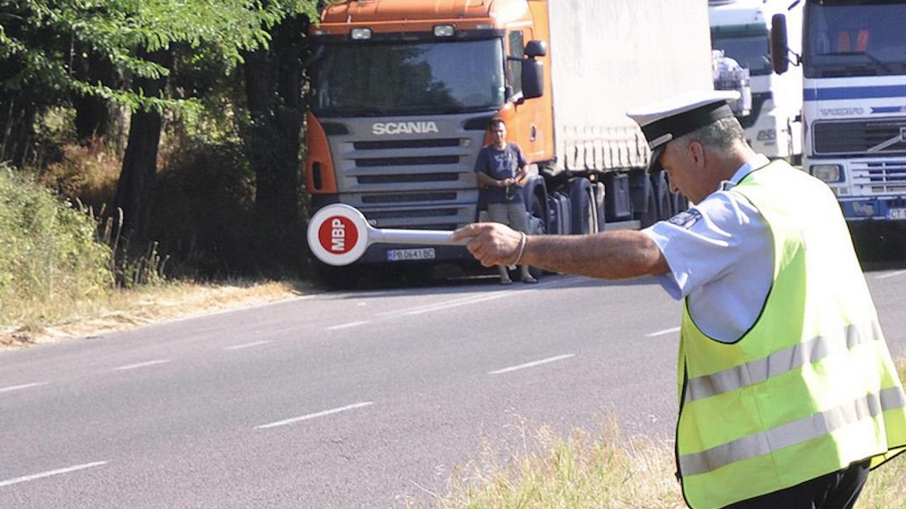"""Пренасочват камионите по магистрала """"Тракия"""""""