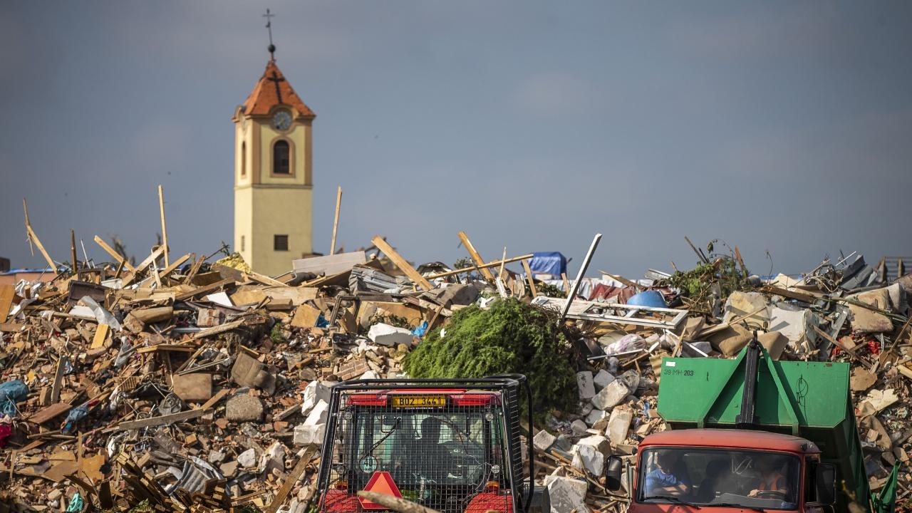 2-годишно дете също стана жертва на торнадото в Чехия