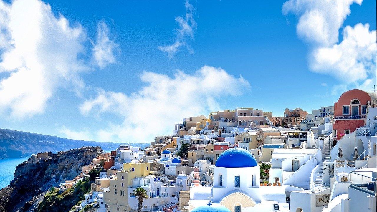Въвеждат привилегии за ваксинирани в Гърция