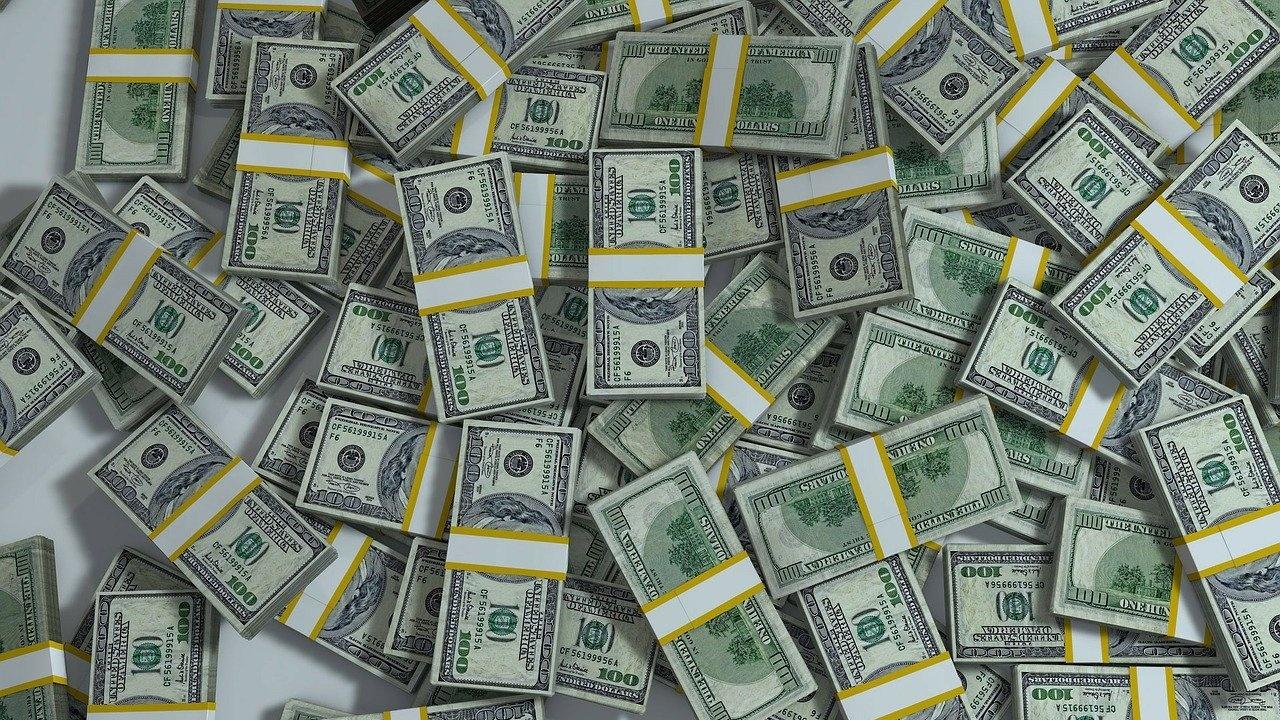 Египетско семейство откри 1.4 милиона долара в банковата сметка на бащата