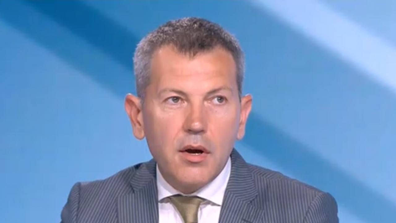 Транспортният министър с подробности за нарушенията в БДЖ и как ще се решат проблемите с километричните опашки по границите
