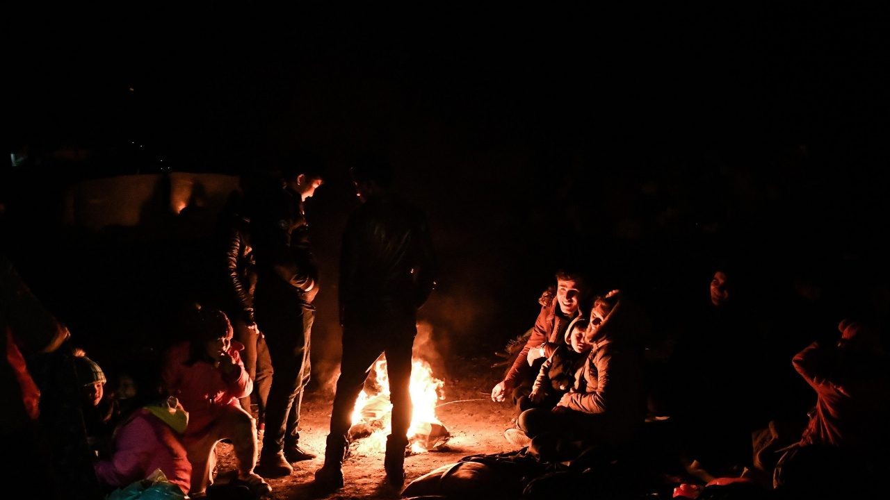 Заловиха група от 69 мигранти край Ихтиман
