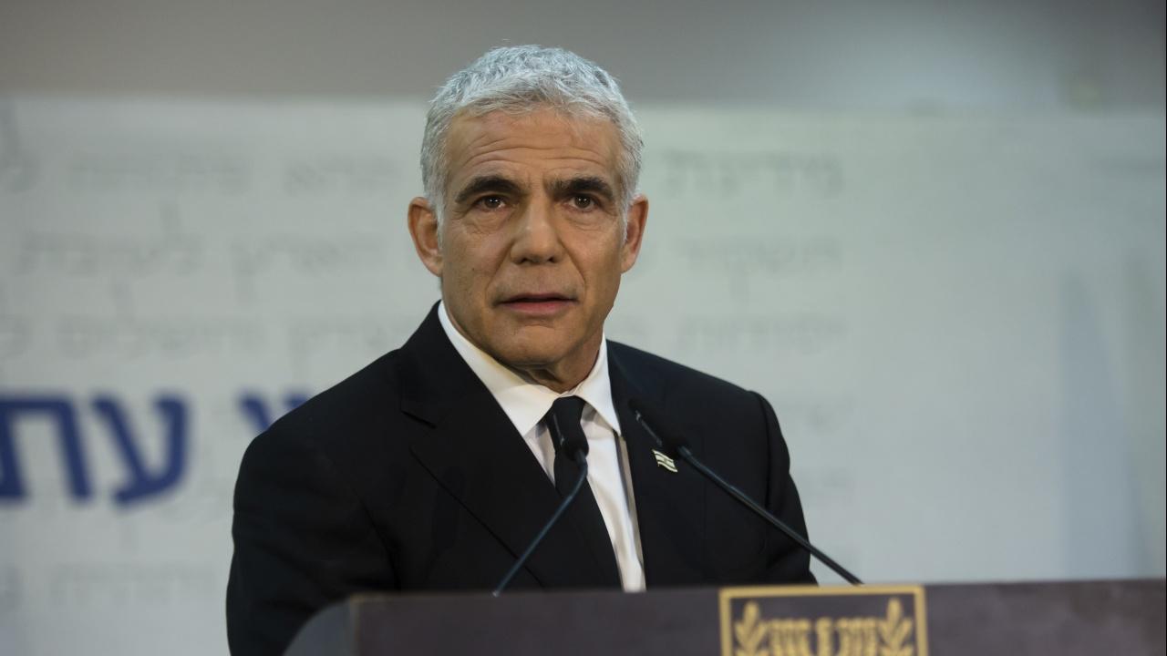 Израелският външен министър Яир Лапид отпътува на официална визита в ОАЕ