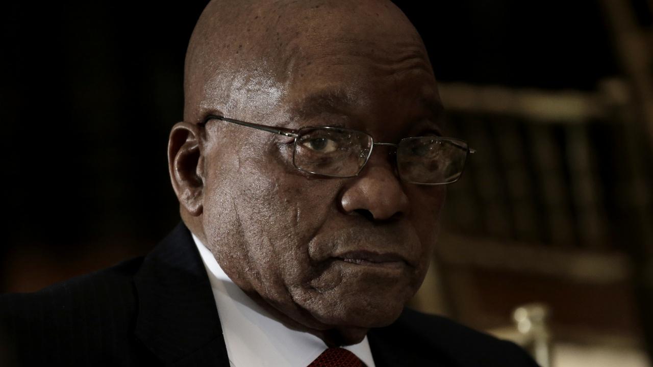 Бившият президент на РЮА Джейкъб Зума бе осъден на 15 месеца затвор за незачитане на съда