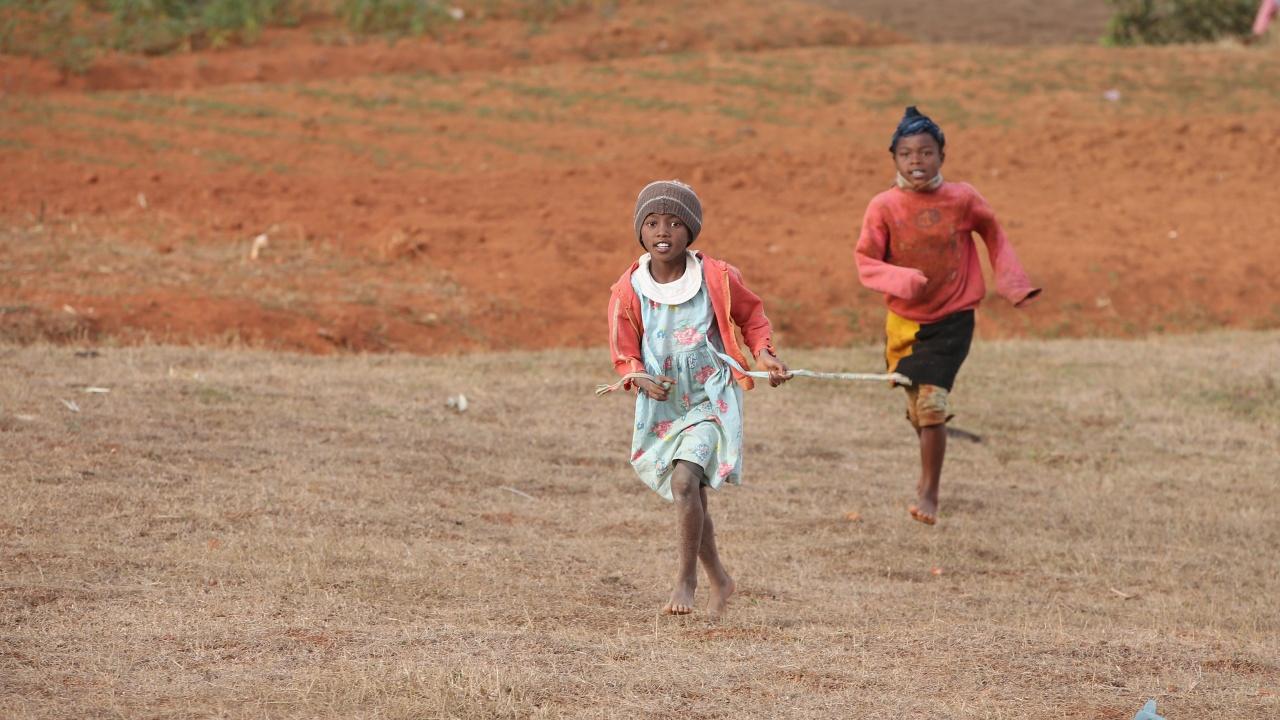 Стотици хиляди умират от глад в Мадагаскар, ядат шума, глина и насекоми